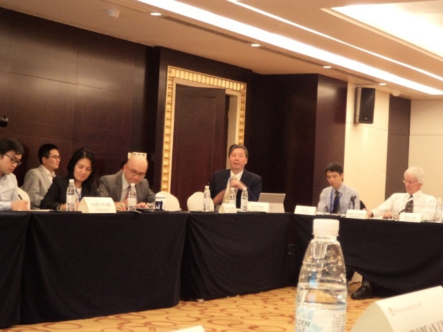 Ken Inoue of GPAJ makes a presentation in ASEAN Regional Forum workshop on preventive diplomacy. (29/11/2018)