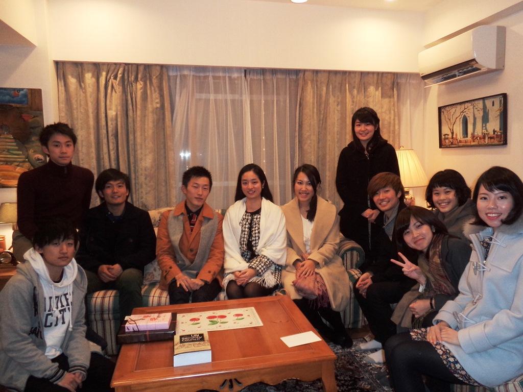 From right to left: Kawashima, Ikenoue, Horibe, Toda, Mae, Goto, Nagakawa, Koike, Kiyozumi, Nagamine, Tonoike